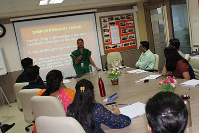 Dr. Madhuri Gokhale, Assistant Professor, Fergusson College, delivering lecture during 1st Ph.D. Coursework of FoHS- October 14-18, 2019